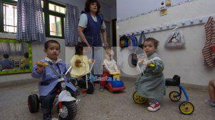 El rol. La especialista remarcó que la institución educativa debe enriquecer la formación de las niñas y los niños.