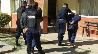 Detuvieron a dos violentos tiratiros, les secuestraron dos armas, balas y cartuchos