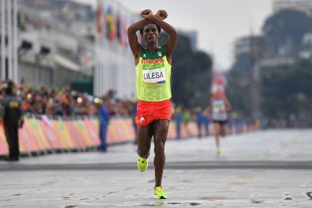 Terminó segundo en el maratón y cuando vuelva su país lo pueden matar o detener