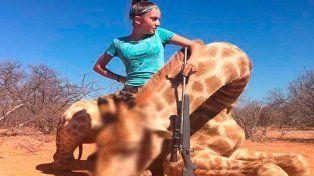 Una cazadora de 12 años causa indignación mundial