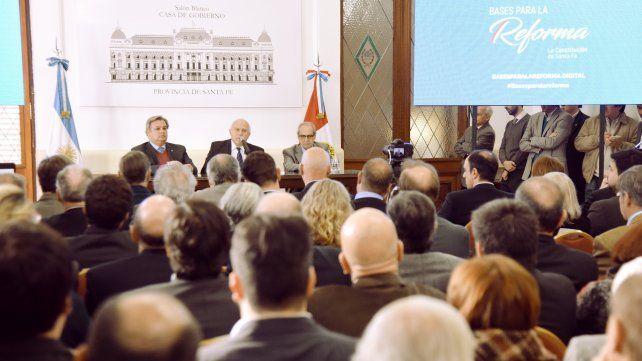 Lifschitz oficializó el proceso de reforma sin un proyecto oficial