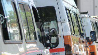 Llevaba a sus hijos al colegio en una trafic  y lo multaron por transporte escolar ilegal