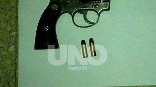 Aberrante: delincuente asaltó un comercio armado y dejo a su hija de tres años esperándolo
