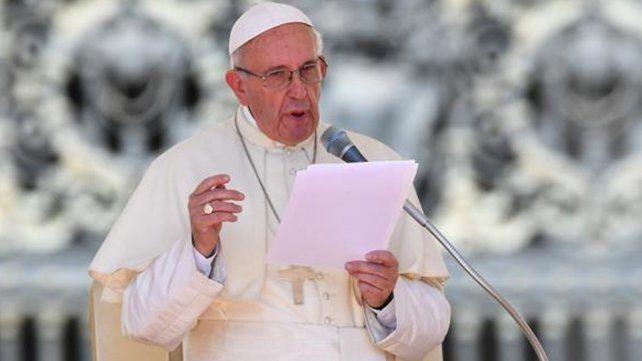 El papa Francisco pidió rezar por las víctimas del terremoto