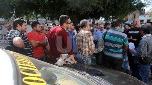 Taxistas y remiseros marcharon para pedir seguridad y protección