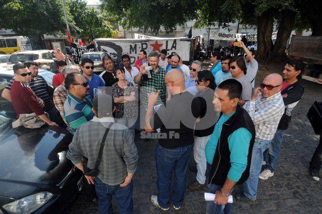 Movilización de taxistas y remiseros, por más seguridad