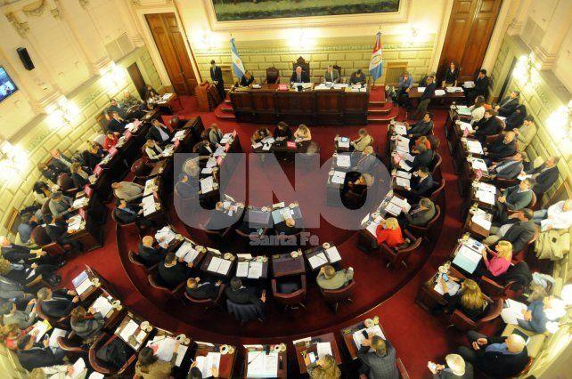 Cara a cara. Los diputados quieren discutir con los funcionarios las posibles soluciones al tema.