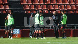 Paolo Montero tiene todo definido para el debut