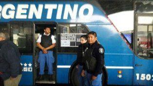 Encontraron muerto a un pasajero dentro de un micro en la terminal de La Plata