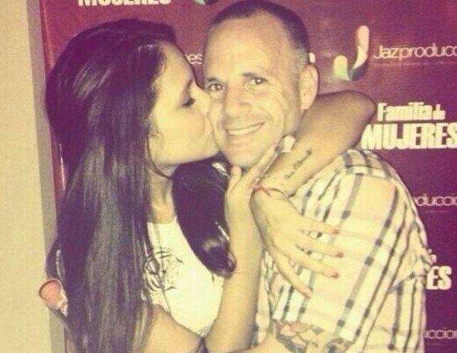 El papá de Barbie Vélez se tatuó la cara de su hija en el brazo