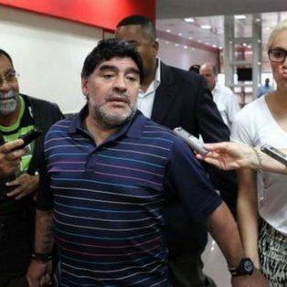 escandalo con diego maradona en el aeropuerto de ezeiza