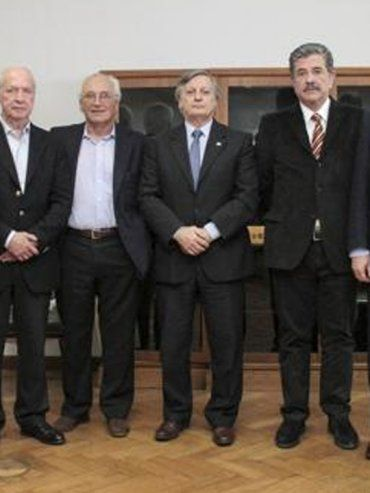 Apud, Montamat, Olocco, Devoto, Aranguren, Aráoz, Lapeña y Guadagni (Foto: NA)