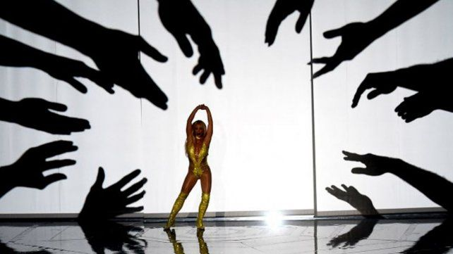 Fallido regreso de Britney: bailó poco e hizo playback