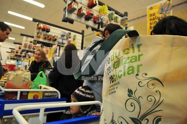 Bolsas plásticas: sin más prórrogas, diseñan la prohibición definitiva