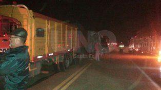 Chocaron tres camiones en la localidad de San Lorenzo y murió uno de los choferes