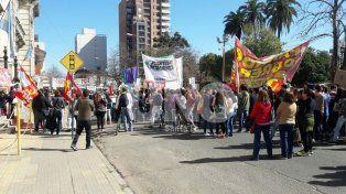 Amigos y compañeros de Melisa Gómez marcharon para pedir justicia