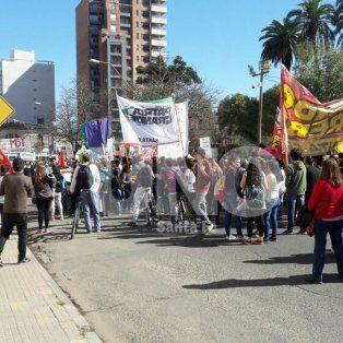 amigos y companeros de melisa gomez marcharon para pedir justicia