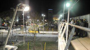 El intendente José Corral realizando declaraciones en la prueba lumínica para la nocturna del STC2000