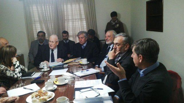 Encuentro. Los senadores recibieron al fiscal general