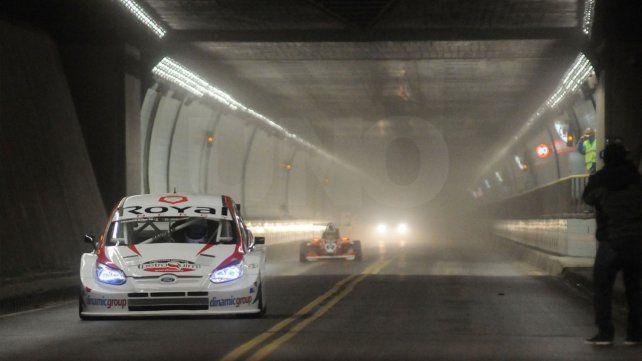 Los autos del Súper TC2000 aceleraron en el interior del Túnel