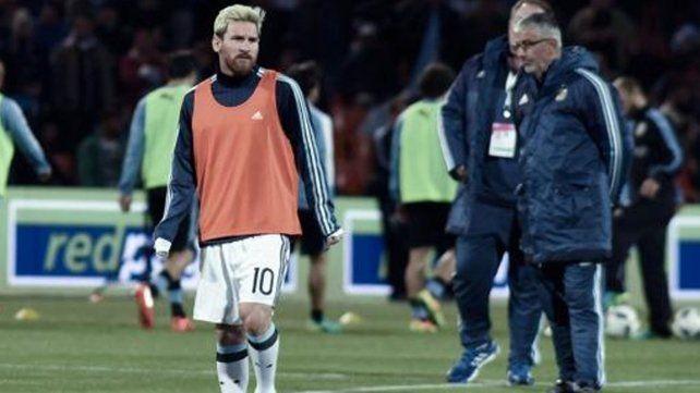 Tras el partido ante Uruguay, Messi está en duda para jugar con Venezuela