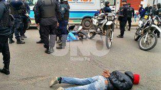 Escapaban de la policía y chocaron en pleno centro santafesino
