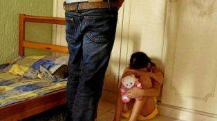 Entró al cuarto de su hija de 8 años y encontró a un hombre a punto de violarla