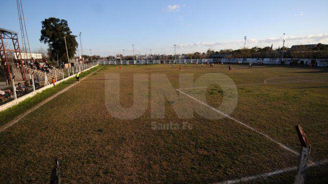 Estadio de Primera. Newells siempre puso especial cuidadoa su cancha donde se juegan los principales partidos.