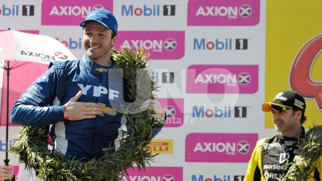 Canapino se quedó con toda la gloria en el Callejero santafeisno y se afianzó en la punta del campeonato.