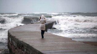 Fuerte sudestada impacta en Mar del Plata
