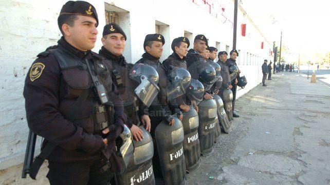 El gobierno nacional quiere tomar el control de la policía de Santa Fe