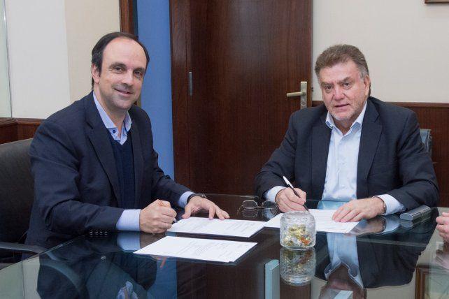 Corral firmó un convenio con Nación por $ 105 millones para obras en Barranquitas