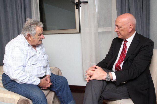 Bonfatti con Pepe Mujica: Queremos consolidar en Argentina un Frente Amplio Progresista como en Uruguay