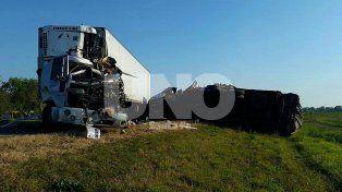 Fatalidad en la RN 34: dos choferes perdieron la vida al colisionar con sus camiones de frente