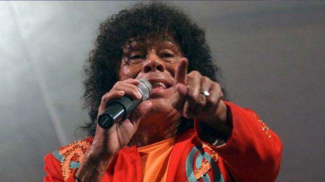 La Mona Jiménez reconoció que está mal de las cuerdas vocales y se opera
