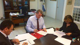 Seguridad interior: se firmó el convenio por el Plan Municipios