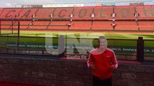 Diego Mayora visitó el estadio Brigadier López y se sacó una foto antes de su primer entrenamiento