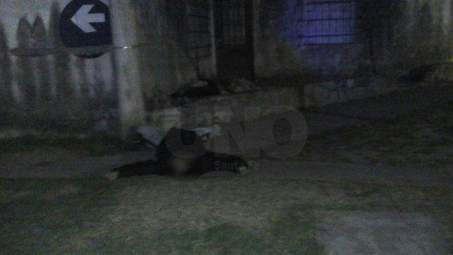 La policía lo encontró sin vida en la esquina de Urquiza y Ricardo Aldao.