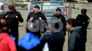 Barranquitas. Los trabajadores de Sitic se manifestaron donde se construye la escuela de oficios.
