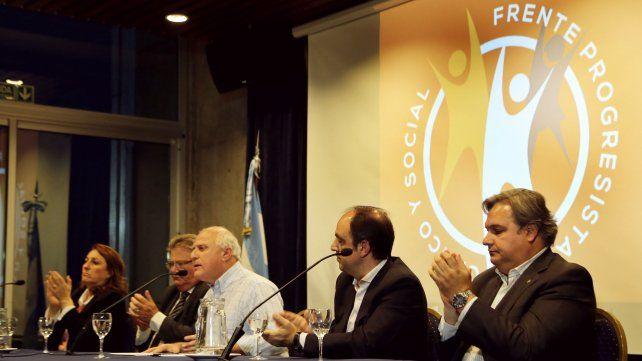 Lifschitz se reunió con intendentes y presidentes comunales del Frente Progresista Cívico y Social