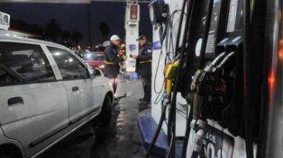 La insólita defensa de un playero asaltado y que roció con nafta al delincuente