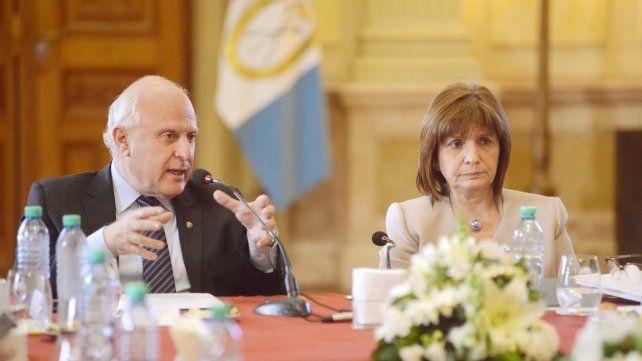Coordinación. Lifschitz y Bullrich anticiparon que el martes que viene se reunirá el Comité Operativo para definir las primeras acciones.