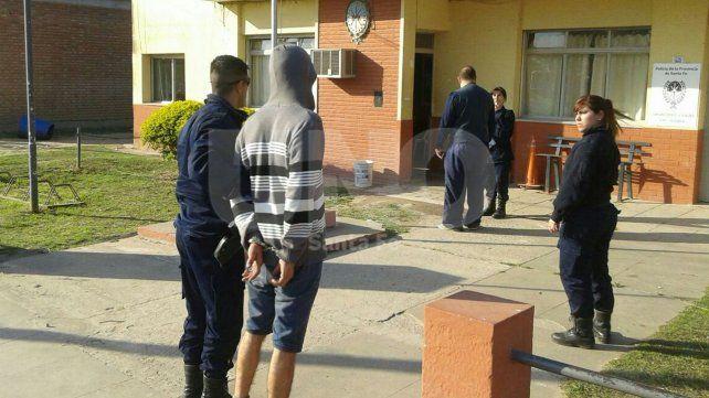 Luego de un tiroteo se detuvo a un violento delincuente en Recreo