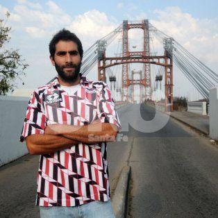 De visita. Bruno está en Santa Fe y el 1 de octubre se casará. Luego volverá a viajar por el mundo.