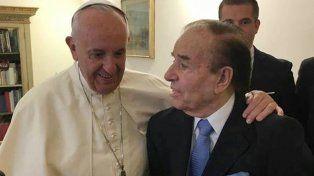 Menem visitó al Papa Francisco en Santa Marta y dijo que lo vio maravilloso y muy animado