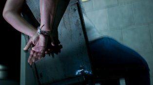 Secuestró, golpeó y violó durante tres días a su novia