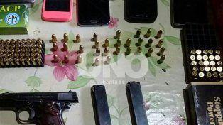 Detuvieron a 13 personas en 17 allanamientos por robo de motos y venta de armas