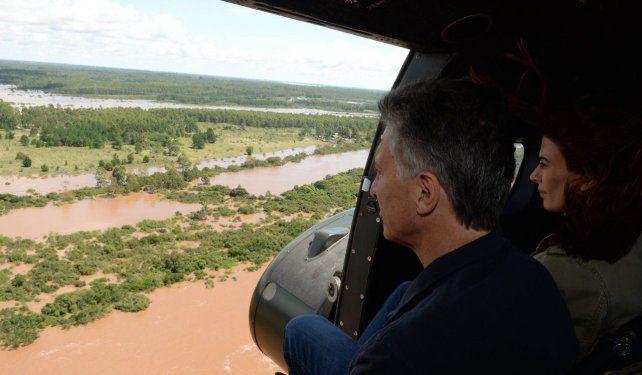 El helicóptero de Macri aterrizó violentamente en Olivos