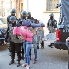 Sorpresa. Allanamientos simultáneos dejaron sin reacción a los ladrones, y la mayoría fueron presos.