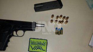 Detuvieron a dos  hombres con un arma de guerra cargada de balas en la ruta nacional 19